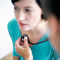 woman-doctor-checkup-copd