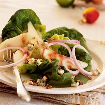 pear-walnut-blue-cheese-salad
