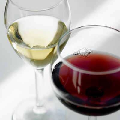 red white wine 400x400 Happy National Drink Wine Day!