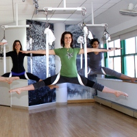 anti gravity yoga200x200 Antigravity Yoga: Learning to Fly