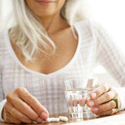 taking-vitamins-supplements