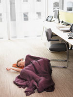 midday nap helps 150x200 Will an Afternoon Nap Make You Smarter?