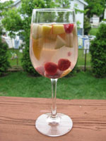 sangria healthy cocktail 150 4 Ways to Have a Healthy Happy Hour on a Diet