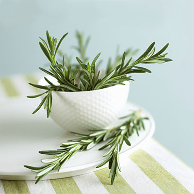 http://img2.timeinc.net/health/images/healthy-eating/fresh-rosemary-sprigs-400x400.jpg