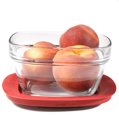 glass-with-peaches