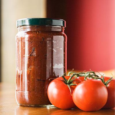 tomato-sauce-jar