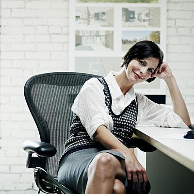 business-woman-desk