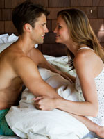 couple-doing-in-bed