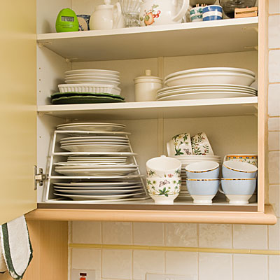 How to Organize and Arrange Kitchen Cabinets in Your