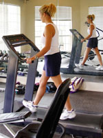 http://img2.timeinc.net/health/images/healthy-living/fitness/woman-treadmill-mirror-150.jpg