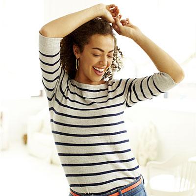 woman-dancing-stripes-20500929