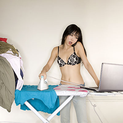 woman-multitasking-ironing