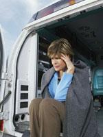 suicidal-woman-ambulance