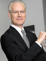 tim gunn 150 Psoriasis Wont Keep Kim Kardashian Off the Red Carpet
