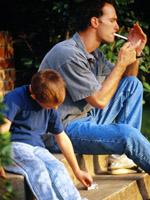 dad-smoking-child