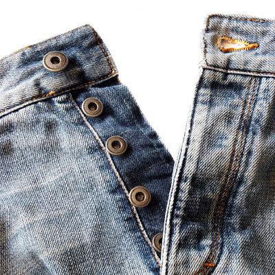 blue-jeans-buttons