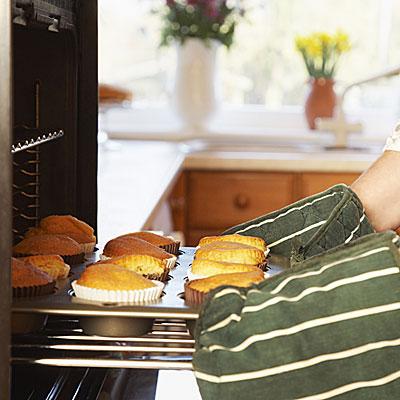 bake-muffin-oven