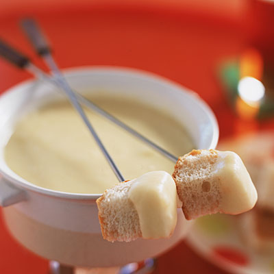 cheese-fondue-bread