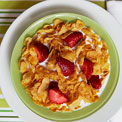 cornflakes-strawberries