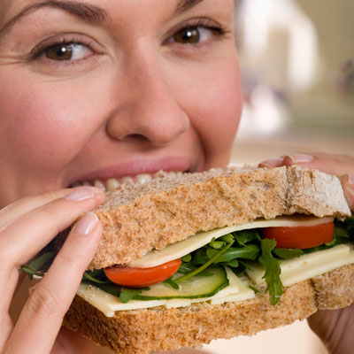 eat-light-lunch-sandwich-200x150.jpg
