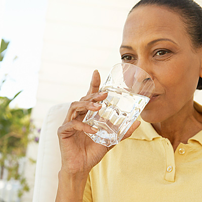 incontinence-drinking-water