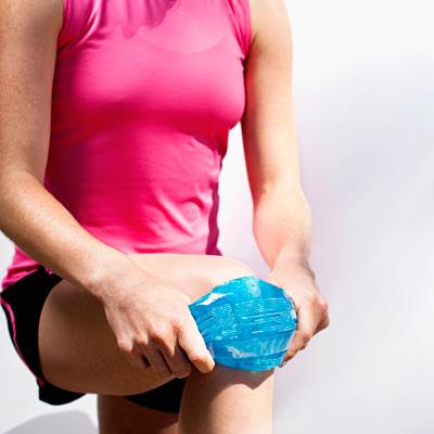 Воспаление синовиальной жидкости в коленном суставе происходит...