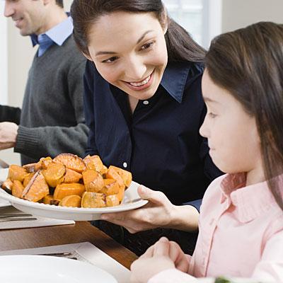 mother-daughter-potatoes
