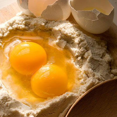 how to get food poisoning from eggs