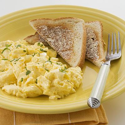 scramble-eggs-crohns