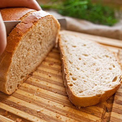 whole-grain-bread-cutting