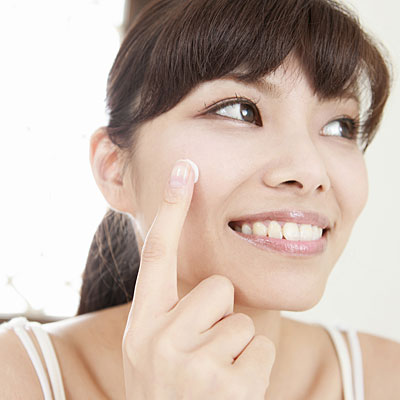 winter face cream 400x400 Dry Skin? 4 Tips for Applying Moisturizer