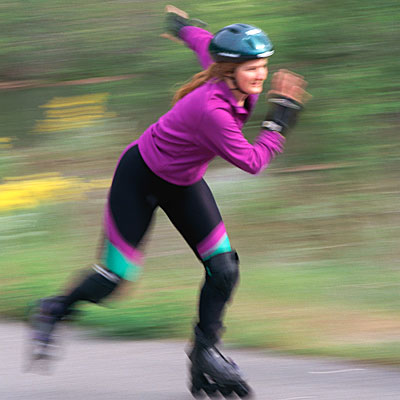 woman-inline-skating