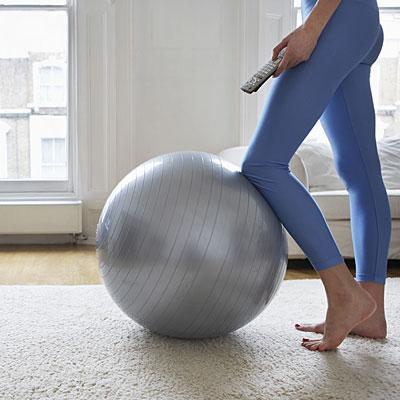 woman-stability-ball