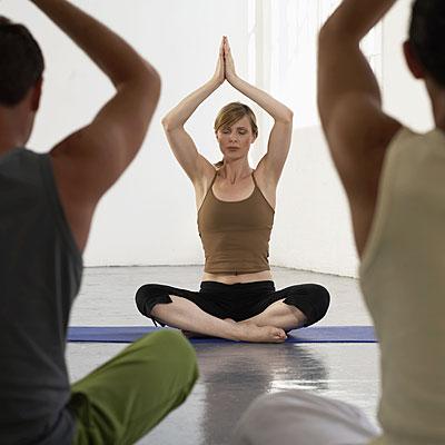 yoga-group-meditation