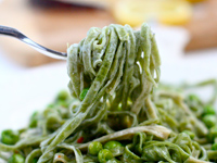spinach linguine 200x150 Healthy Cooking on the Cheap: Spinach Linguine Alfredo, Baingan Bharta, and Quinoa Citrus Salad