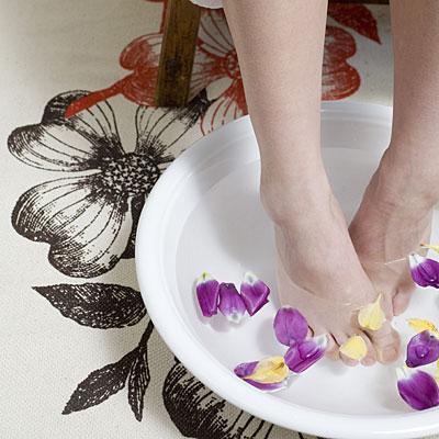 china-feet-soak