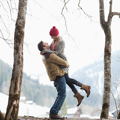 man woman snow 400x400 3 Romance Revivers That Work