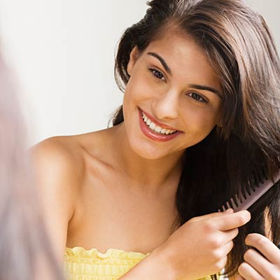 pull out the old claw clip  easy beauty tips every woman