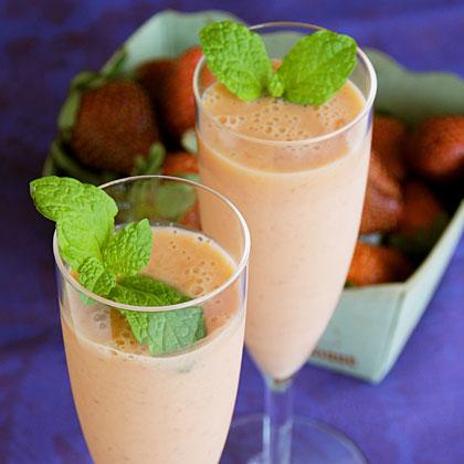 Mango-Ginger-Strawberry Smoothie Recipe