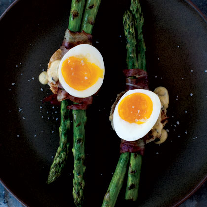 grilled-asparagus-6-minute-egg Recipe