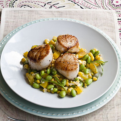 dressing seared scallops with tropical salsa seared scallops ...
