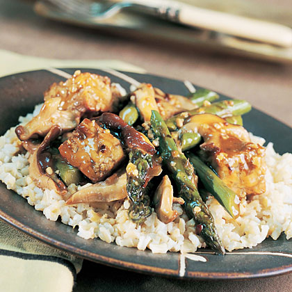 Spicy Asparagus-Tempeh Stir-Fry Recipe