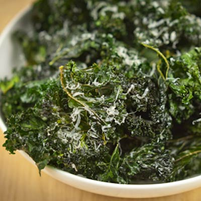 kale chips baked 400x400 Favorite Pins of the Week: Tasty Kale Recipes