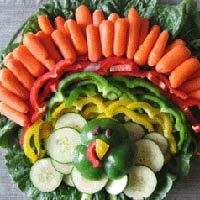 turkey veggie tray 400x400 Favorite Pins of the Week: Fun Thanksgiving Ideas