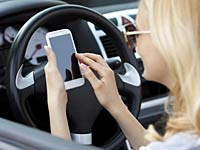 texting-and-driving-multitasking