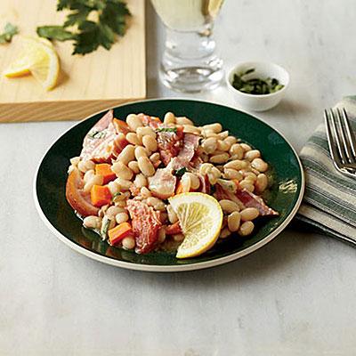 Ingredients: White beans, pancetta or bacon, garlic, carrot, rosemary ...