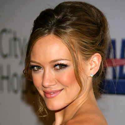 Hilary Duff, blush, hair make up, daily beauty flash