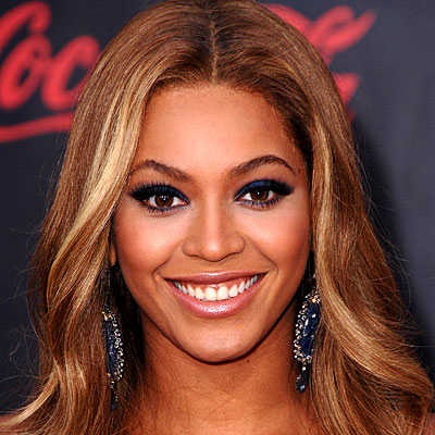 Beyonce Eyes Turn Black Fashion Distinc...
