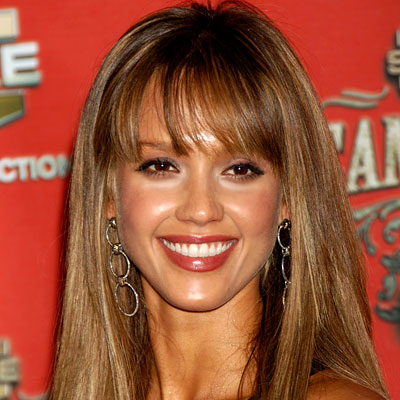 Jessica Alba hair with great warm brown tones and carmel highlights