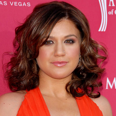 Female Celebrity Hairstyles Kelly Clarkson